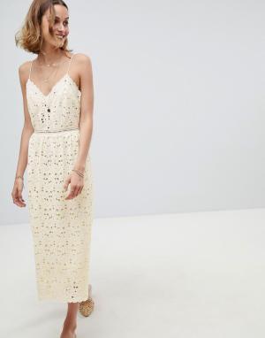 Платье кроше на бретельках BA&SH. Цвет: кремовый