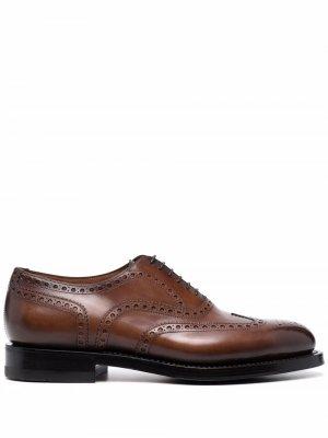 Туфли броги на шнуровке Santoni. Цвет: коричневый