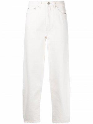 Широкие джинсы из органического хлопка Totême. Цвет: белый