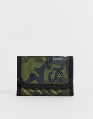 Бумажник с камуфляжным принтом Superdry. Цвет: зеленый