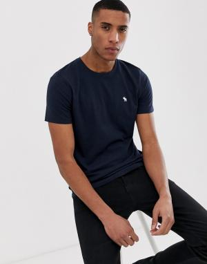 Темно-синяя футболка с круглым вырезом и логотипом Abercrombie & Fitch. Цвет: темно-синий