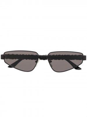 Солнцезащитные очки с логотипом и стразами Balenciaga Eyewear. Цвет: черный