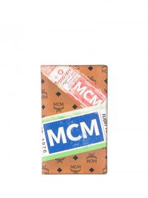 Обложка для паспорта с принтом MCM. Цвет: коричневый