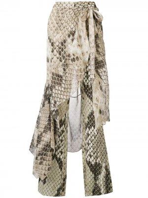 Расклешенные брюки с принтом змеиной кожи Roberto Cavalli. Цвет: нейтральные цвета