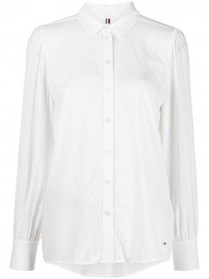 Рубашка на пуговицах Tommy Hilfiger. Цвет: белый