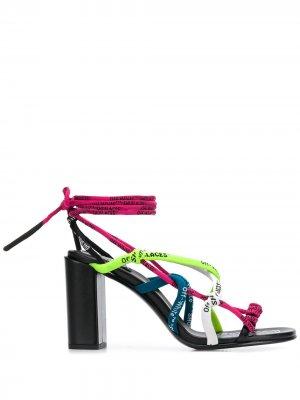 Босоножки на шнуровке с логотипом Off-White. Цвет: розовый