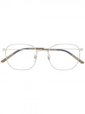 Очки GG0681O в квадратной оправе Gucci Eyewear. Цвет: серебристый