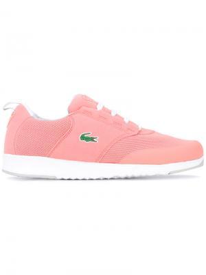 Кроссовки со шнуровкой Lacoste. Цвет: розовый