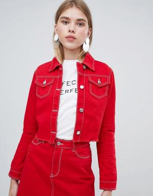 Укороченная джинсовая куртка с необработанным краем Urban Bliss. Цвет: красный