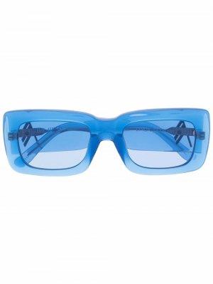 Солнцезащитные очки в прозрачной квадратной оправе The Attico. Цвет: синий