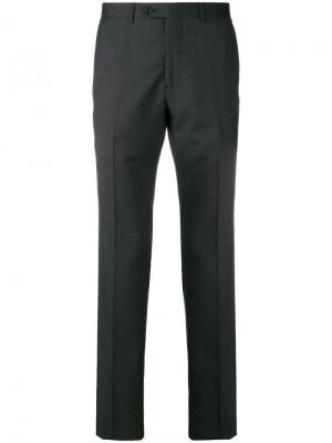 Классические брюки кроя слим Emporio Armani. Цвет: серый
