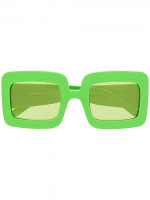 Солнцезащитные очки в глянцевой массивной оправе Courrèges Eyewear. Цвет: зеленый