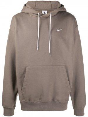 Худи с вышитым логотипом Nike. Цвет: нейтральные цвета