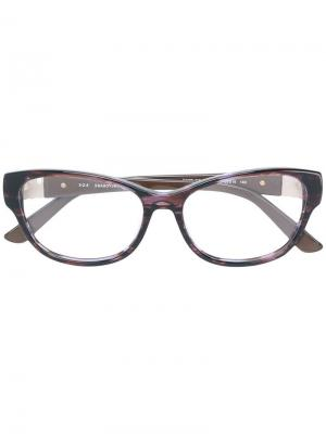 Очки в оправе кошачий глаз Swarovski Eyewear. Цвет: коричневый