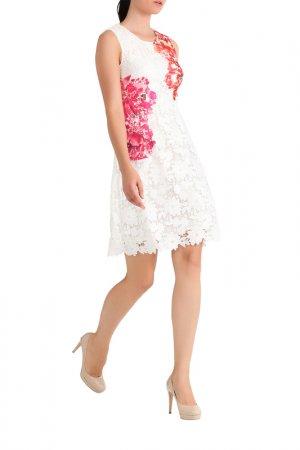 Кружевное платье Apart. Цвет: кремовый, мультицвет
