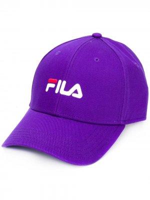 Бейсболка с вышитым логотипом Fila. Цвет: фиолетовый