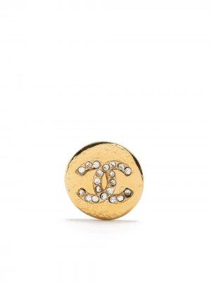 Серьги со стразами и логотипом CC Chanel Pre-Owned. Цвет: золотистый
