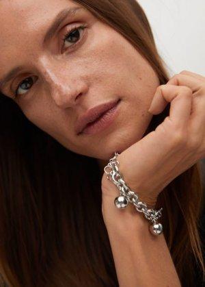 Браслет с бусинами и камнями - Beatriz Mango. Цвет: серебро