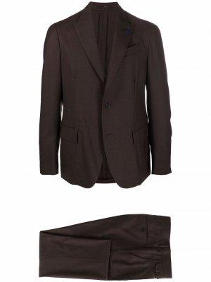 Строгий костюм с однобортным пиджаком Lardini. Цвет: коричневый