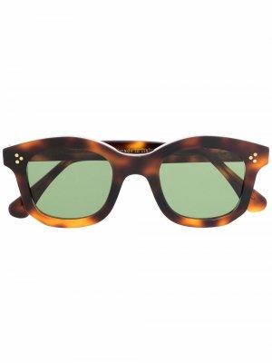 Солнцезащитные очки Athos в квадратной оправе Epos. Цвет: коричневый