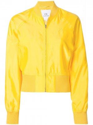 Бомбер с логотипом CK Calvin Klein. Цвет: желтый