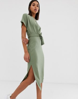 590c6eae9cedb22 Трикотажное платье-футболка цвета хаки Bershka. Цвет: зеленый