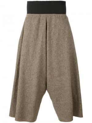 Широкие укороченные брюки Bless. Цвет: коричневый