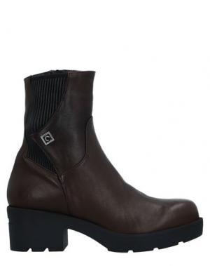 Полусапоги и высокие ботинки CONNI. Цвет: какао