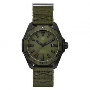 Часы Calibre 5 TAG Heuer. Цвет: хаки