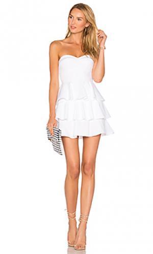 Ярусное платье с рюшами Amanda Uprichard. Цвет: белый