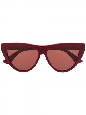 Солнцезащитные очки BV1018S в оправе кошачий глаз Bottega Veneta Eyewear. Цвет: красный