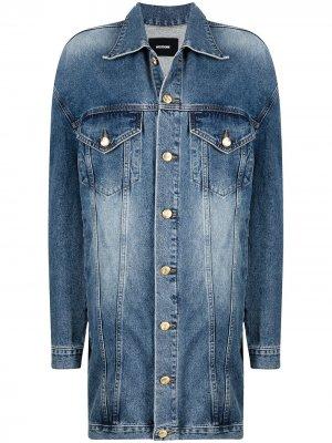 Джинсовая куртка оверсайз с нашивкой-логотипом We11done. Цвет: синий