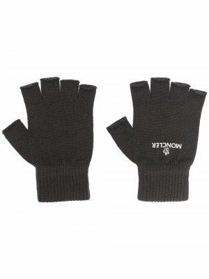 Перчатки-митенки с логотипом Moncler. Цвет: коричневый