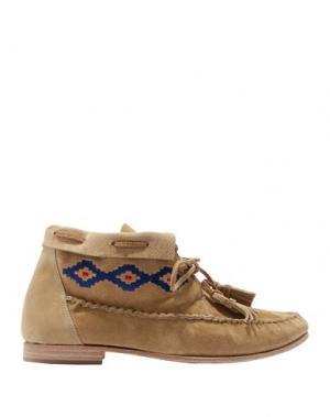 Полусапоги и высокие ботинки SOLUDOS. Цвет: верблюжий