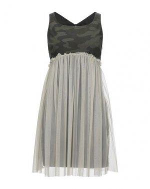 Короткое платье DANIELE ALESSANDRINI. Цвет: зеленый-милитари