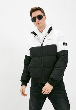Куртка утепленная Calvin Klein Jeans. Цвет: разноцветный