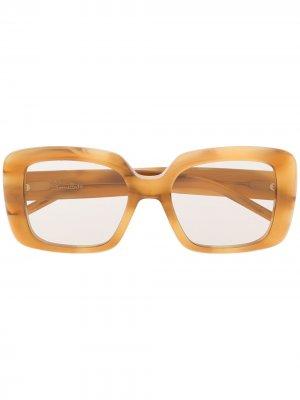 Массивные солнцезащитные очки в оправе черепаховой расцветки Pomellato Eyewear. Цвет: нейтральные цвета