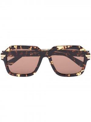 Square-frame sunglasses Bottega Veneta Eyewear. Цвет: коричневый