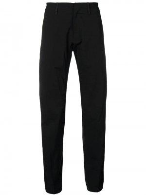 Зауженные брюки Arc'teryx Veilance. Цвет: черный