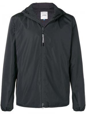 Куртка с капюшоном Stutterheim. Цвет: черный