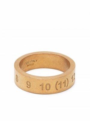 Кольцо с гравировкой Maison Margiela. Цвет: 950 желтый