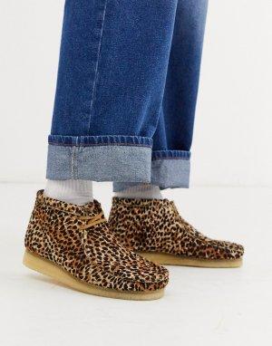 Коричневые ботинки с анималистичным принтом wallabee-Светло-коричневый Clarks Originals