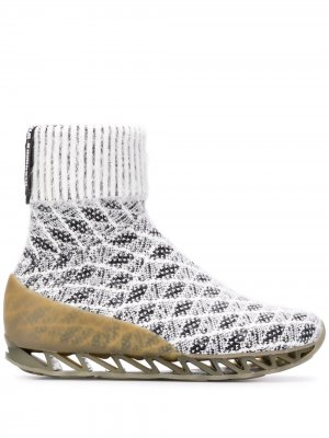 Ботинки-носки Himalayan из коллаборации с Camper Bernhard Willhelm. Цвет: белый
