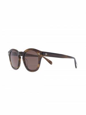 Солнцезащитные очки в квадратной оправе Oliver Peoples. Цвет: коричневый