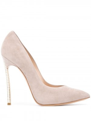 Декорированные туфли на шпильке Casadei. Цвет: нейтральные цвета