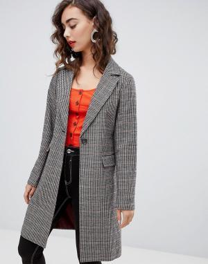 Строгое пальто в клетку New Look. Цвет: коричневый