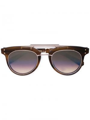 Солнцезащитные очки-авиаторы в крупной оправе Garrett Leight. Цвет: коричневый