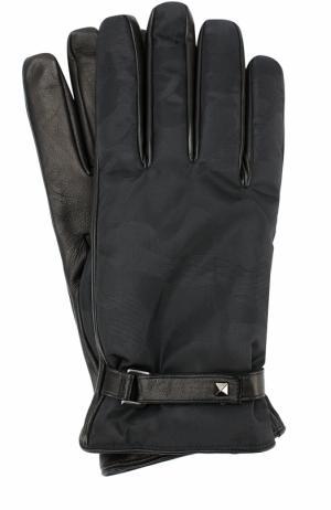 Кожаные перчатки Garavani с текстильной отделкой и камуфляжным принтом Valentino. Цвет: черный