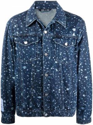 Джинсовая куртка с эффектом разбрызганной краски MCQ. Цвет: синий