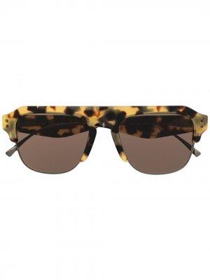 Солнцезащитные очки в D-образной оправе Valentino Eyewear. Цвет: нейтральные цвета